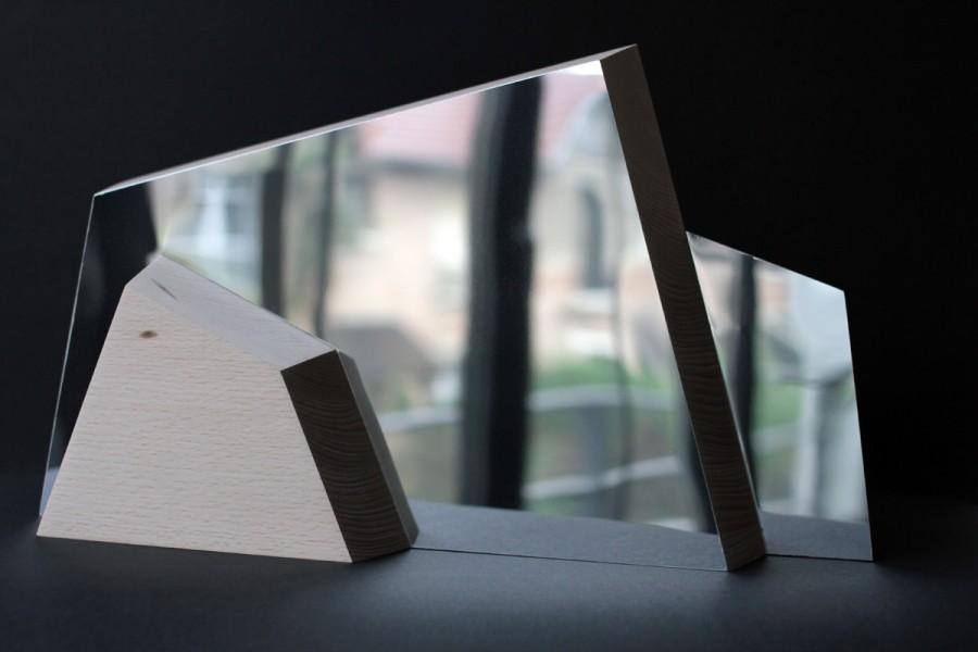 Miroir bois ALPI - bois - inox poli - Objet - double face - allures de montagnes - Vue de face - Design sur-mesure - Agence MAJOTIK