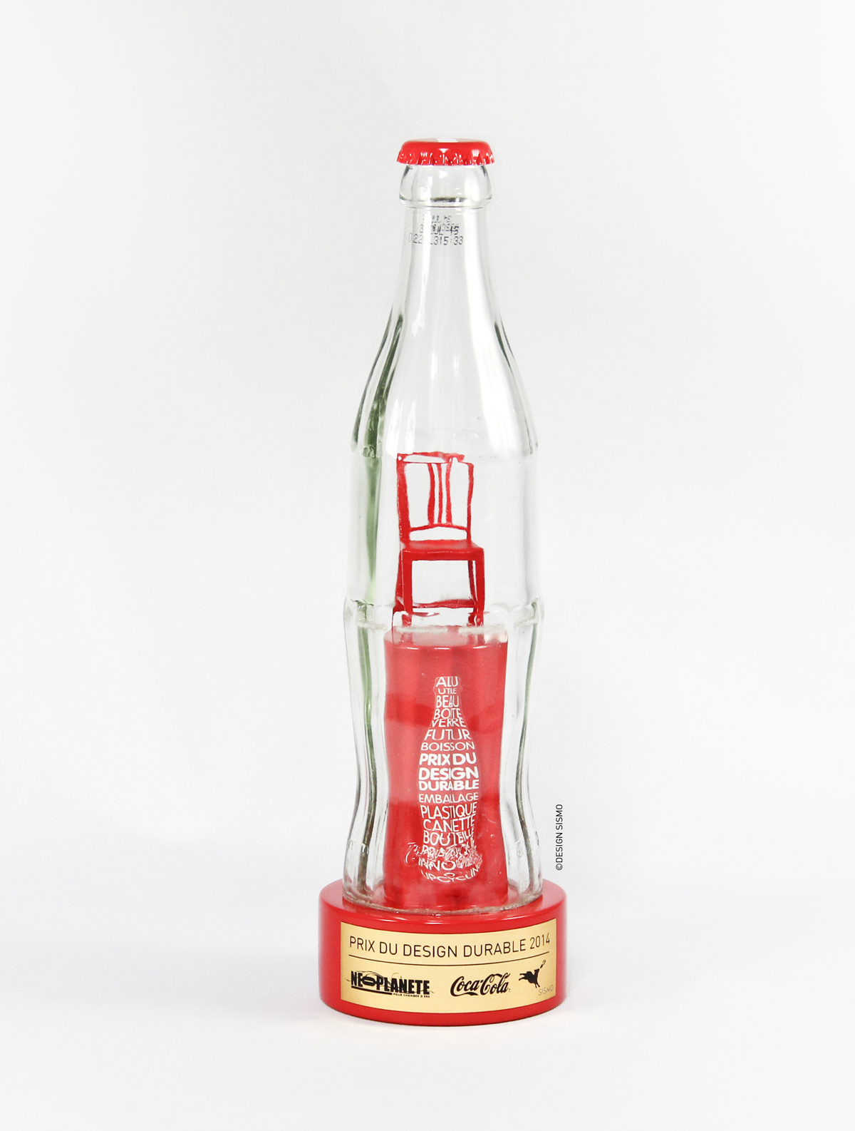 Trophee COCA COLA SISMO 2014 2 Fabrication bouteille rouge chaise prix du design durable design sur-mesure Agence MAJOTIK