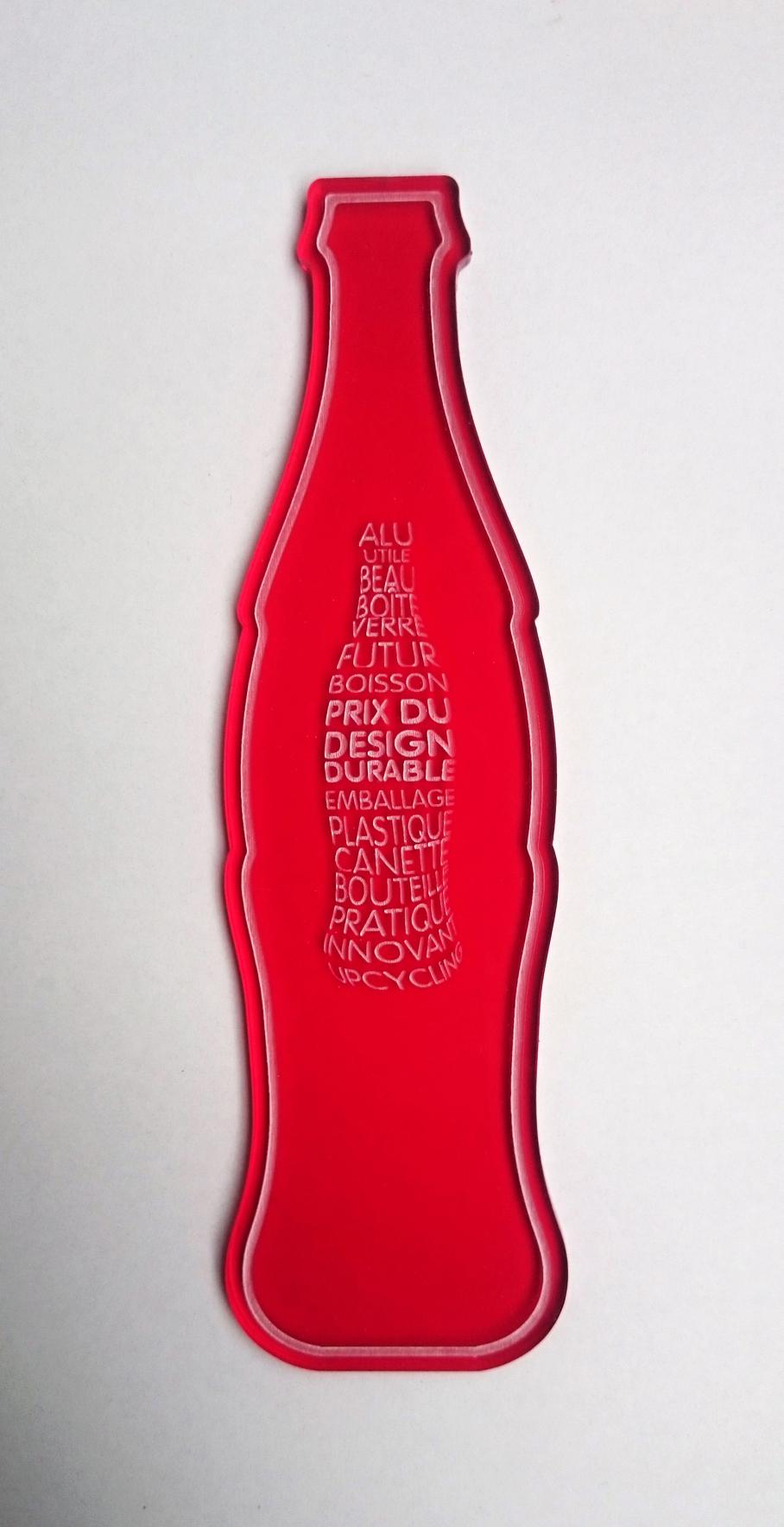 Trophee COCA COLA SISMO 2015 3 Avant montage Fabrication bouteille rouge chaise prix du design durable design sur-mesure Agence MAJOTIK