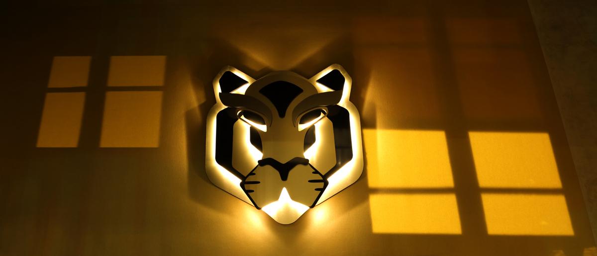 Restaurant Le TIGrr Paris tete de tigre LEDS asiatique Agence MAJOTIK