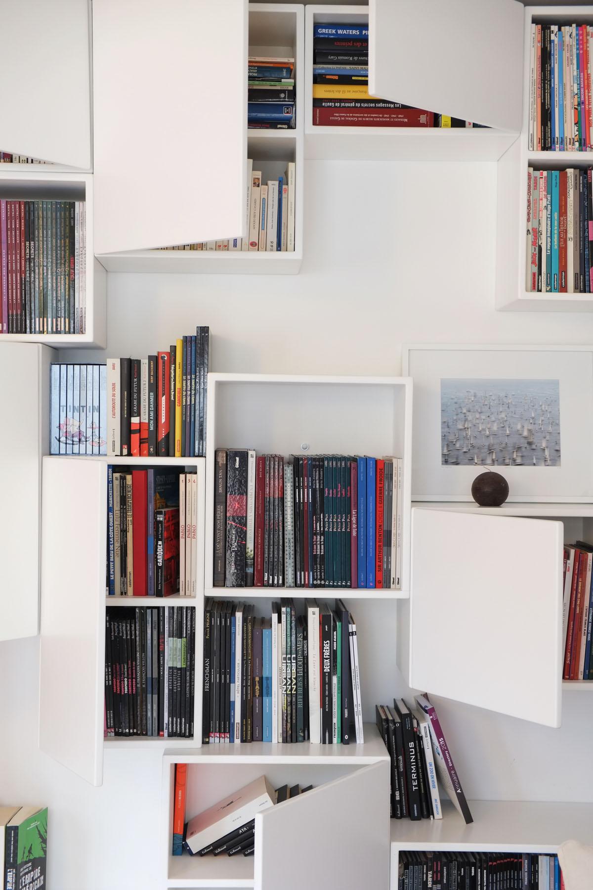 9 bibliotheque Mobilier BD cubes ouverts fermes blanc BD design sur-mesure Agence MAJOTIK