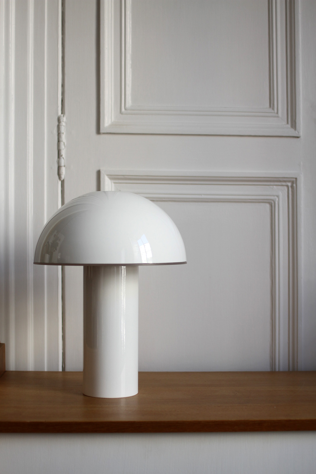 Cul de poule - lampe a poser - Objet - luminaire - bol - metal - couleur BLANC - design sur-mesure - Agence MAJOTIK