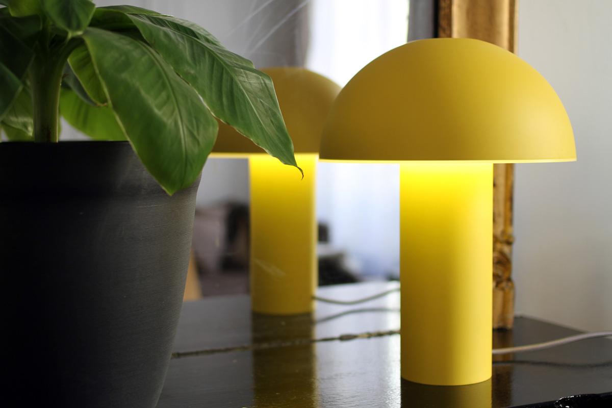Cul de poule - lampe a poser - Objet - luminaire - bol - metal - couleur JAUNE - design sur-mesure - Agence MAJOTIK